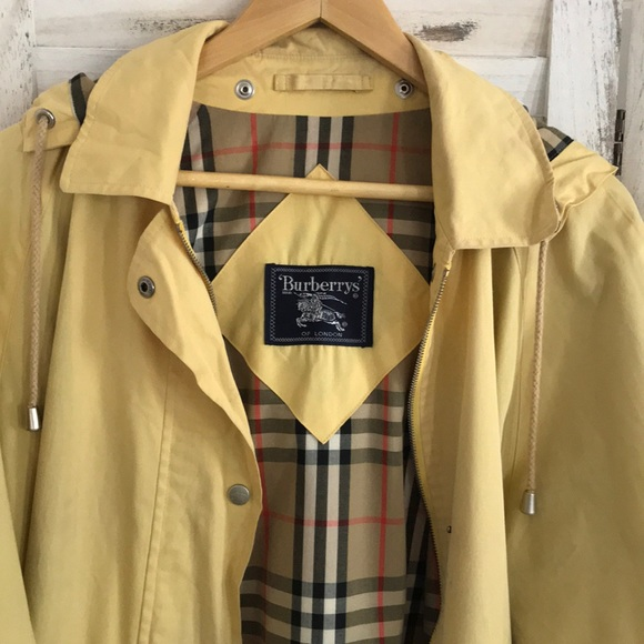 Burberry Jackets & Blazers - Vintage Burberry Trench Size Large